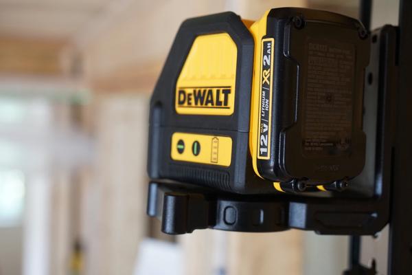 Лазерный нивелир Dewalt DW088LG